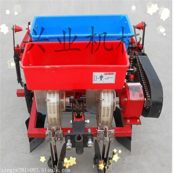 多功能玉米花生播种覆膜机 拖拉机花生起垄打药覆膜机