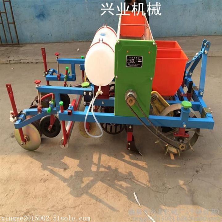 起垄施肥覆膜机   谷子播种起拢覆膜机   优质花生播种覆膜机